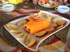 Snack time! Papaya and apple